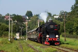 Ty42-24 z pociągiem Chabówka – Mszana Dolna. 19.08.2018. Fot.: Szymon Jurkowski.