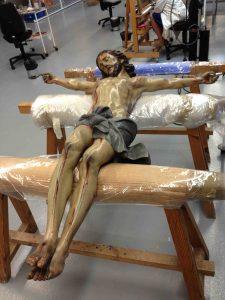 cristo-del-amparo-visita-proceso-restauracion-22-9-2016-001-b