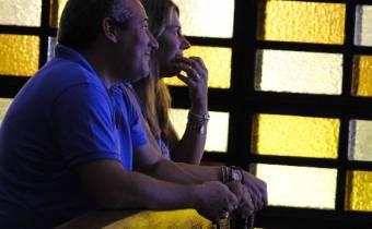 Matrimonio rezando juntos