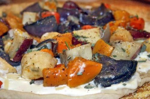 Fall vegetable pizza with Roasted Garlic Chevre Cream Sauce, and a pizza making class!
