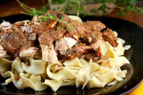 Chicken Noodles with Pecan Cream