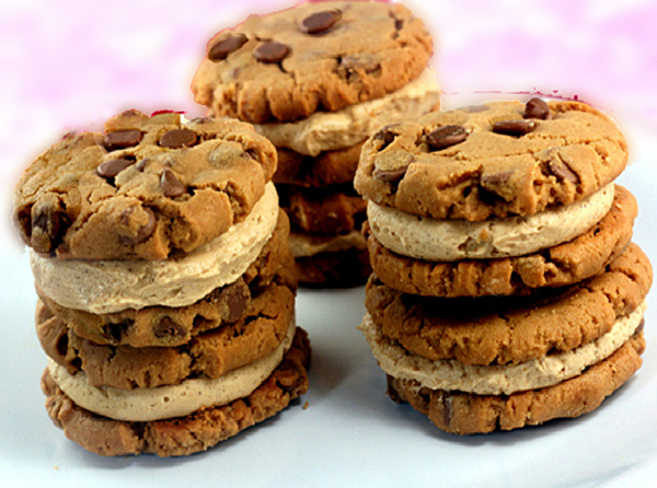 Flourless Peanut Butter Chocolate Chip Cookie Sandwiches with Cinnamon Peanut Butter Cream Filling