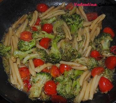 caserecce_pomodorino_broccolo