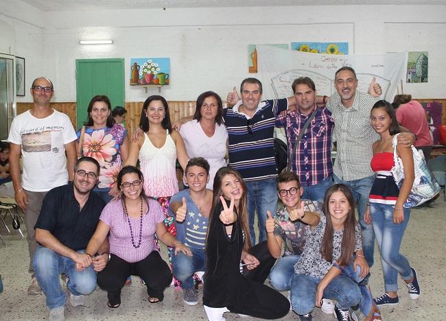 Il presidente Francesco Crinelli con un gruppo di educatori e ragazzi.