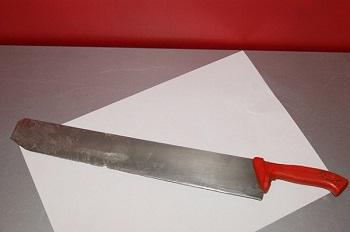 Il coltello utilizzato dall'arrestato