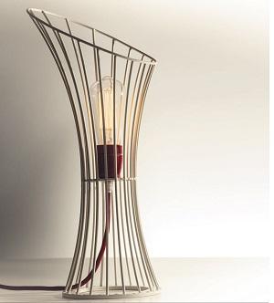 Lampada Nucleo, Collezione Spacetime, di Francesco Buzzo e Serena Lambertoni