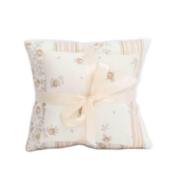 sacchetto bomboniere coppia di cuscini colore panna (10 pz)-0