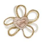 Applicazione bomboniera in legno doppio cuore con scritta love.-0