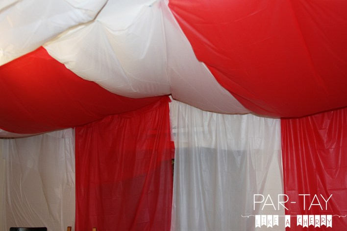 hot to make a circus tent with dollar store tablecloths