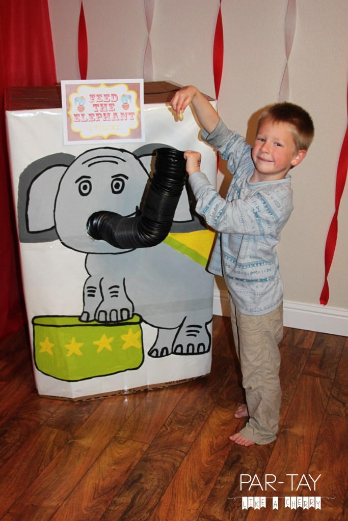 feed the elephant circus party game