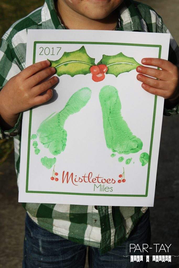 mistletoes christmas craft free printable, great for newborns and toddlers!