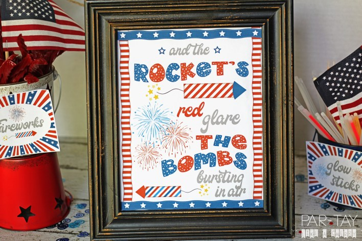 free printable 8X10 patriotic July 4th subway art.