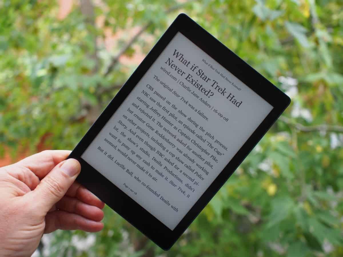 Aura One VS Kindle Oasis liseuse comparaison taille