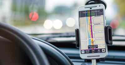 conduite volant android ios cellulaire téléphone dangereux support