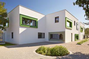 Außenansicht Kindergarten Mariahilf / kigago (Paschinger Architekten) Modulbauweise Massivholz