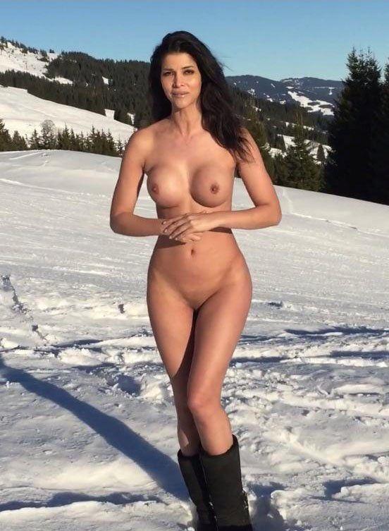 la-vagina-de-micaela-schaefer-11