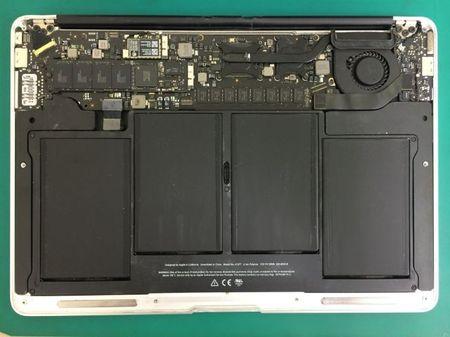 MacBookAir13inchLate2010A1369.jpg