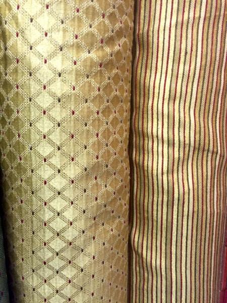 Per i rivestimenti invece (con imbottitura o meno), si utilizzano in prevalenza: Tessuti Arredamento Bologna Casalecchio Di Reno Stoffe Divani Poltrone Sedie Cuscini Idrorepellenti