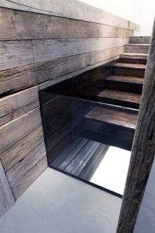 """Andrea Santarlasci """"Sotto di noi, immobile, scende il tempo dell'acqua"""", 2015. Dettaglio Installazione, legno, vetro, resina, ferro, specchio e acqua, 135 x 464 x 82 cm"""