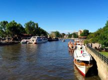 The town of Tigre, teeming with tour boats.