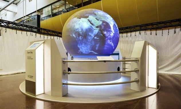 Stockholm Arlanda globe shows direct traffic from airport