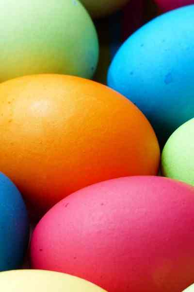 5 Unique Easter Egg Dyeing Ideas From the Pros