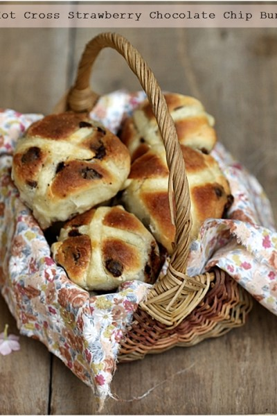 Baking| Hot Cross Strawberry Chocolate Chip Buns … Happy Easter