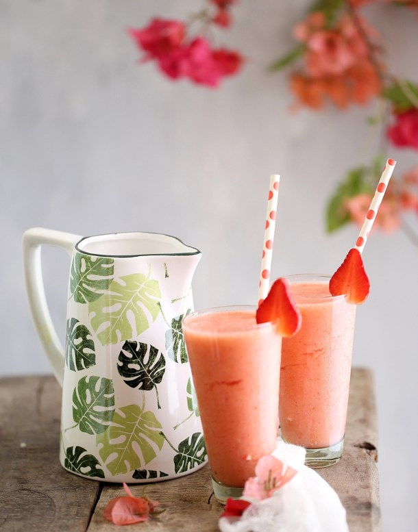 Chumbak-Tropical-1000GV8A8824 Food Talk | Strawberry Pineapple Smoothies & Watermelon Kiwi Gooseberry Fruit Bowl- going Tropical with Chumbak