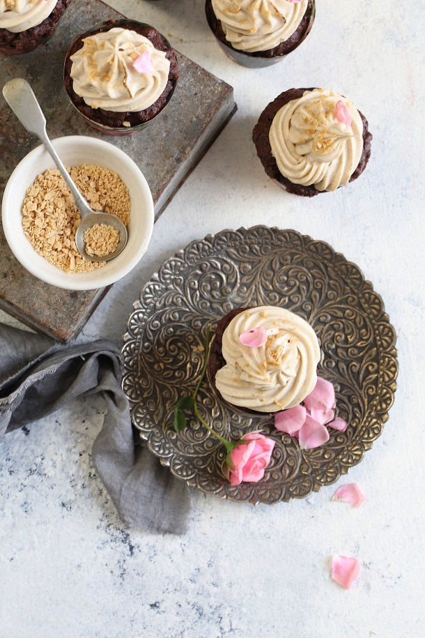 Dark-Chocolate-Wholegrain-Cupcakes-with-Maple-Syrup-Cream-Cheese-Frosting-5 Baking | Dark Chocolate Wholegrain Cupcakes with Maple Syrup Cream Cheese Frosting