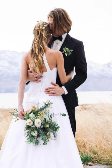 groom love - Kelowna Flower Delivery Shop | Flower Arrangements & Bouquets - Passionate Blooms