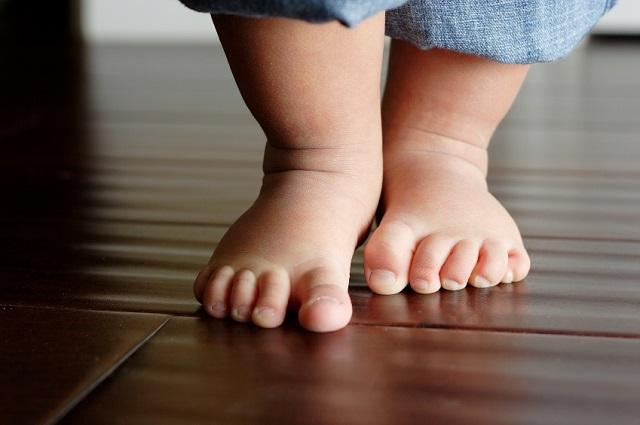 piedi bambino