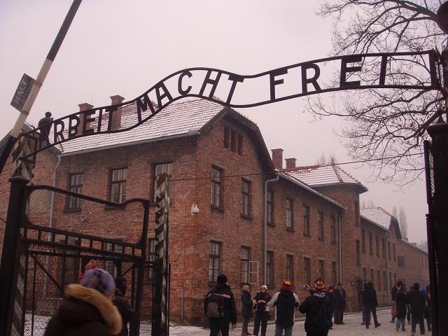 app olocausto