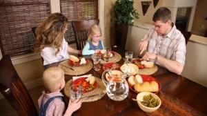 foto_famiglia a tavola