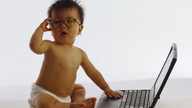 foto_bambino_computer