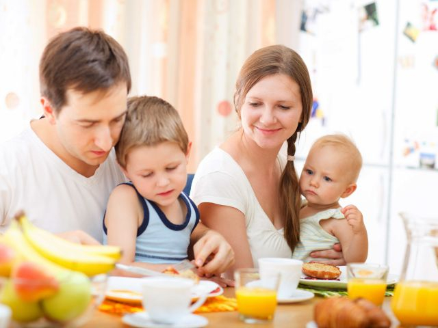 famiglia_colazione