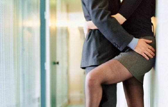Le tre posizioni per concepire un maschietto passione mamma - Video sesso sul tavolo ...