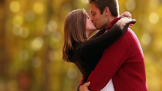 foto_coppia_bacio