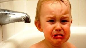 foto_bimbo che piange