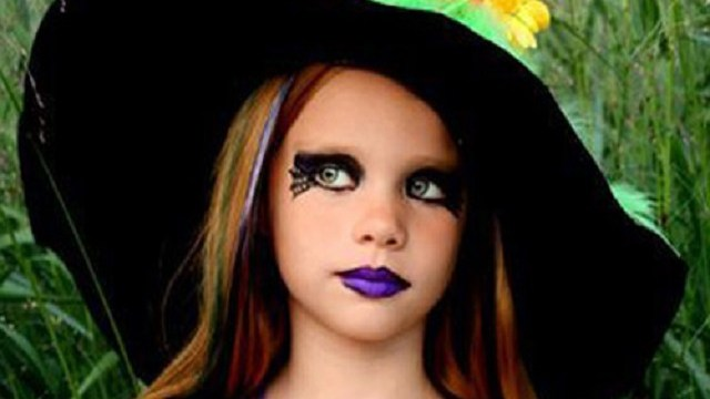 foto trucco halloween bambini strega