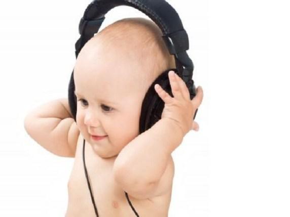 Giochi per neonati i migliori per un bambino piccolo for Migliori cuffie antirumore per bambini