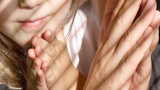 foto_genitori_pregare
