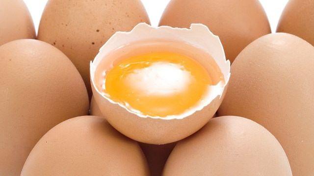 uova crude in gravidanza
