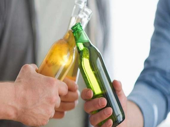 Bere alcool davanti ai bambini: perché è sbagliato