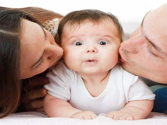 I genitori iperprotettivi creano danni psicologici nei figli