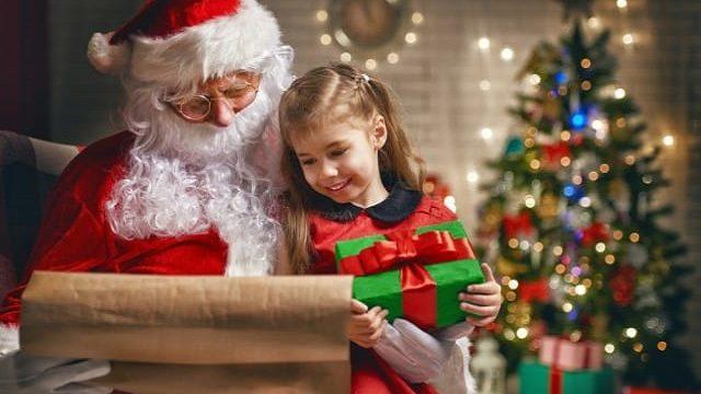 Pace in terra, che il tuo natale sia ricco di gioia, e batterie non incluse. Frasi Di Natale Per Bambini 111 Dediche Speciali Frasi Immagini Video Poesie E Storie Di Natale Per Bambini Passione Mamma