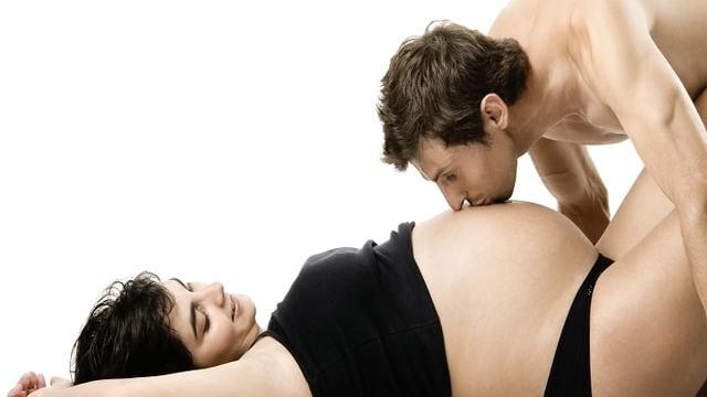 Fare l'amore in gravidanza 5 benefici sul parto