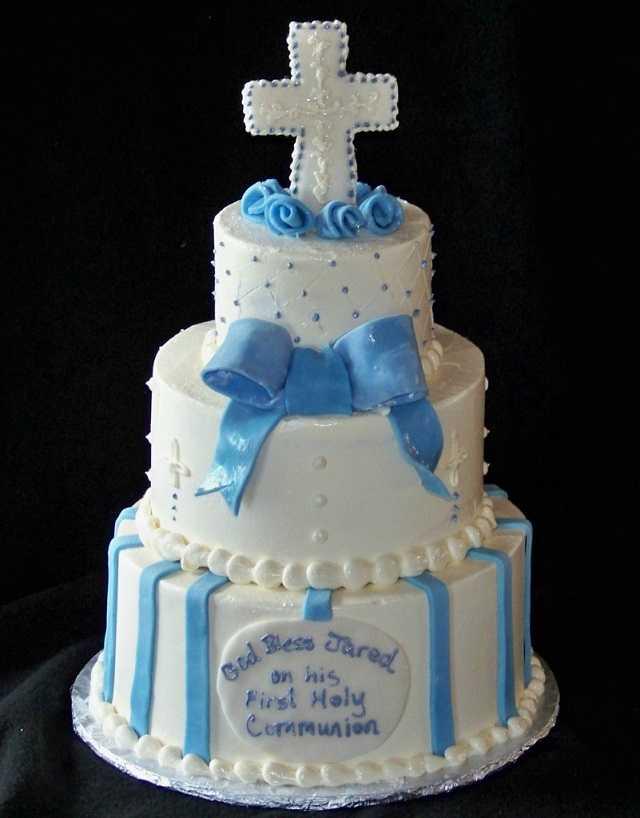 torta con fiocco. torta per comunione. torta per comunione. torta prima  comunione maschio