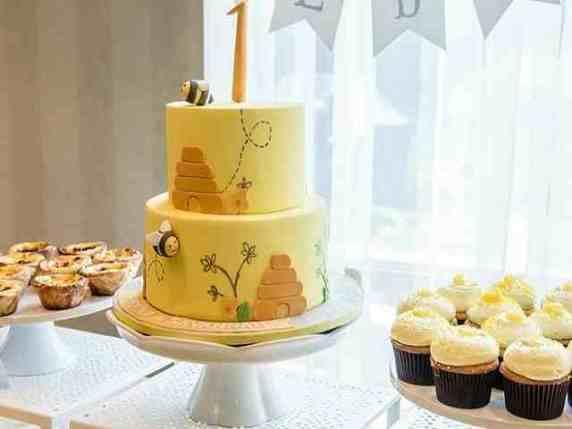 torta con api