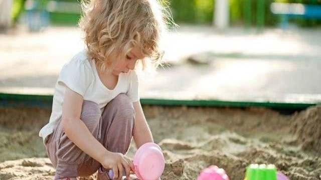 foto_giochi_montessori_sabbia