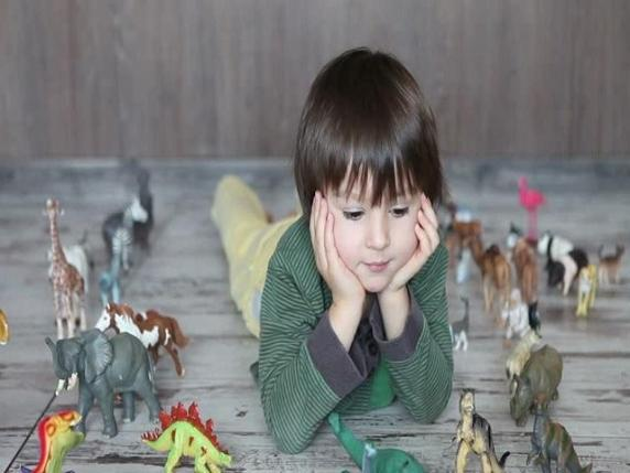 foto_bambino_dinosauri